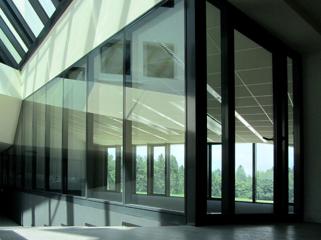 STEKLENE PREDELNE STENE Office E92